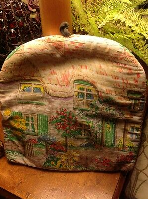 VINTAGE PADDED 'COUNTRY COTTAGE STYLE' TEA COSY, FROM THE 70s. TAG TO HANG, VGC