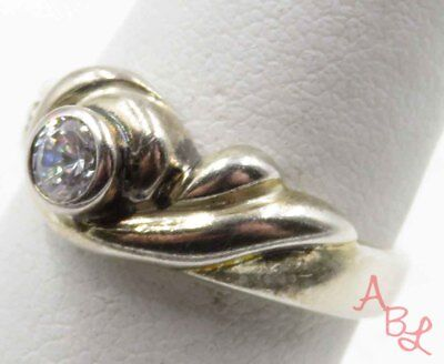 Sterling Silver Vintage 925 Etched White Stone Ring Sz 7 (2.9g) - 715888