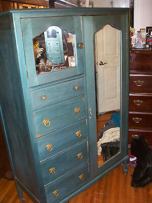 Antique Oak Antique Green Wardrobe 2 Doors/5 Drawers With Wood Rollers 2 Mirrors