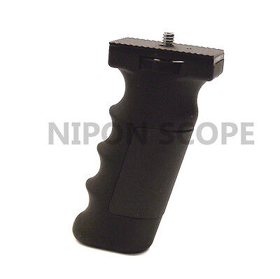 Pistol hand grip handle for compact scopes, binoculars, cameras and camcorders