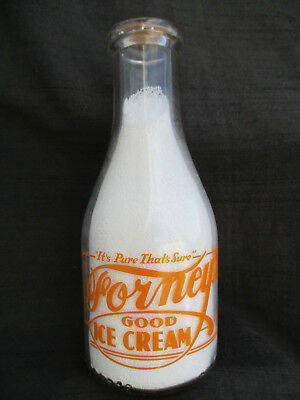 VINTAGE 1946 FORNEYS TRPQ ACL 1 QT MILK BOTTLE w FOOTBALL PLAYER PALMYRA, PA