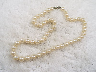 White Glass Pearl Bead Necklace  (B32)