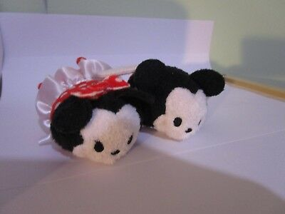 Mickey and Minnie Mouse Disney store Valentines Day Tsum Tsums Set of 2