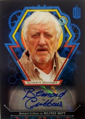 DR WHO EXTRATERRESTRIAL ENCOUNTERS Autograph Card BERNARD CRIBBINS 05 / 25 Mott