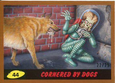 Mars Attacks The Revenge Bronze [25] Base Card #44 Cornered by Dogs
