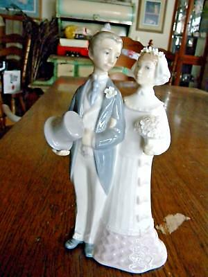 Lladro 'bride And Groom' Figurine