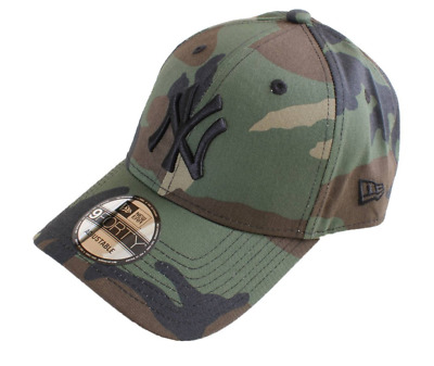 League Essential New York Yankees New Era 9Forty Cap.  Camo