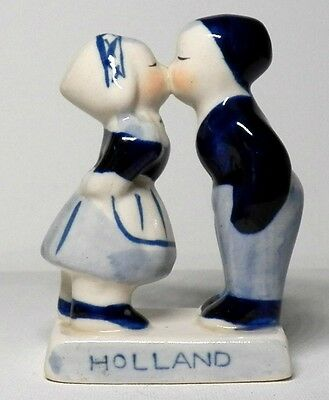 Fine Vintage Made In Holland Delft Blue Kissing Couple Figurine With F. Green