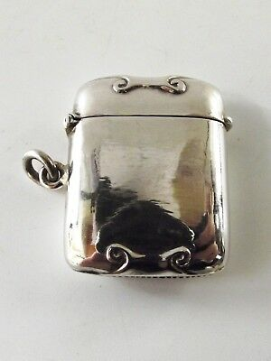 Antique Silver Vesta With Scroll Pattern Ref 145/4