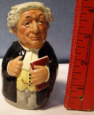 * Royal Doulton Character TOBY JUG - DOULTONVILLE - Mr LITIGATE - the LAWYER *