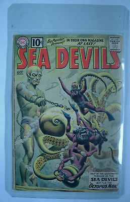 Sea Devils Classic Heat Grey Tone Cover N.1 Fine 1961
