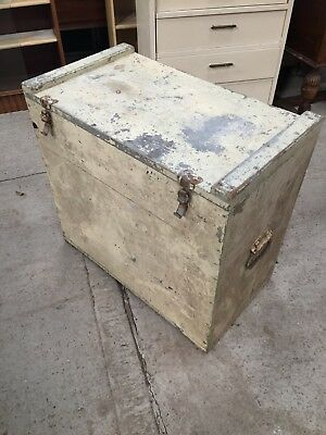 Old Plank Painted Wood Trunk Storage Chest Chippy Shabby 26/3/W