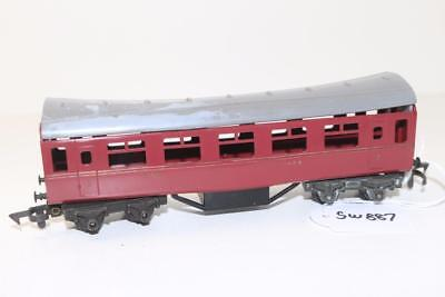 Triang early OO 1:76 R.20 L.M.S. Passenger Coach FNQHobbys SW887