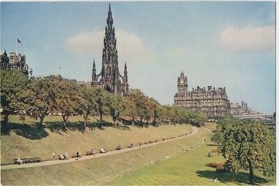 Scott Monument North British Hotel Princess Street Edinburgh Animated  Postcard