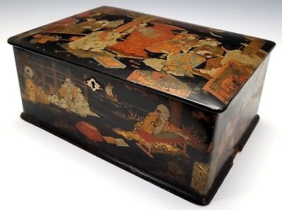ANTIQUE 19th CENTURY JAPANESE GOLD BLACK LACQUER LARGE TEA CADDY BOX W/ FIGURES