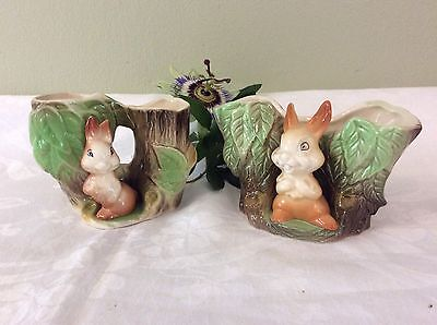 set Of Two Cute Vintage Eastgate Fauna vases With Rabbits Vgc Numbers 25 & 27