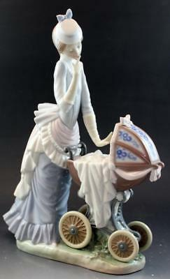 Lladro Baby's Outing Mother & Child Porcelain Figurine by Salvador Debon Retired