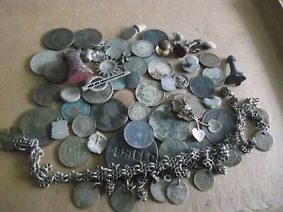 JOB LOT OF METAL DETECTING FINDS INCLUDING COIN BRACELET, SOME SILVER 99p L24Y