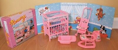 GLORIA DOLLHOUSE FURNITURES NURSERY ROOM W/Bed Sheet Stroller PLAYSET FOR BARBIE