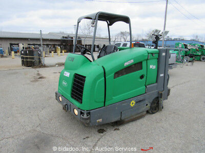 "2013 Tennant M20 Ride-On 56"" Industrial Sweeper Scrubber 2.0L Mitsubishi bidadoo"