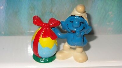 Smurfs Smurf with Easter Egg - Red Bow - Rare Vintage Display Figurine