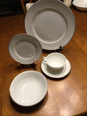 Sonnet Fine China Japan 5 Plate Setting White Trimmed With Gold