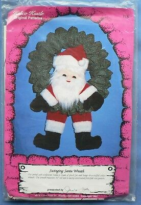 Kalico Kastle 'Swinging Santa Wreath' – Sewing Pattern