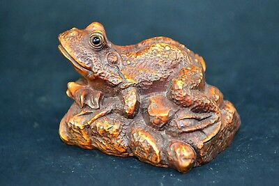 Collectible Old boxWood Carved chinese handwork frog wonder netsuke  Statue