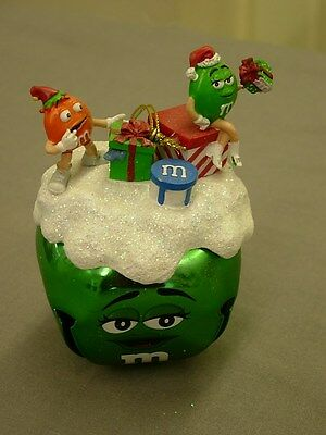 ASHTON-DRAKE M&M's CHRISTMAS GIFT GREEN SLEIGH BELL ORNAMENT 2009 NEW