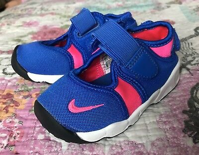 Baby Girls Nike Rift Trainers Size Uk Infant 5.5 Excellent Condition