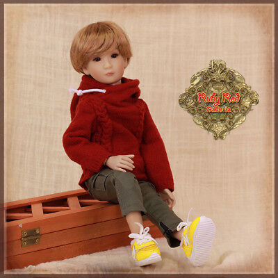 Ruby Red Galleria-3 Items/ Green Trousers, Red Pullover, Yellow Sneakers/no Doll