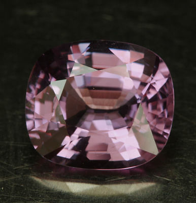 SPINELL    klasse Farbe     4,70 ct