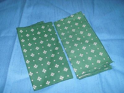 Longaberger Set Of 2 Traditional Green Napkins New Not In Original Plastic