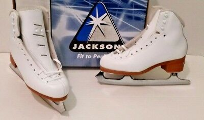 Jackson DJ 3010 skate boots with Mirage blades sizes 4  NEW!