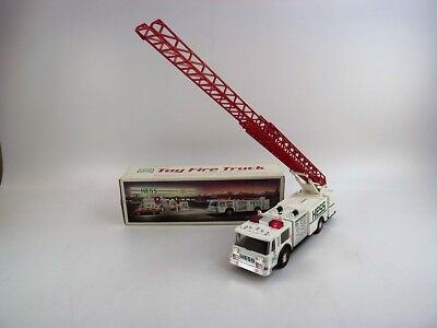 1989 Hess Fire Truck w Ladder Working Headlights, Tailights & Flashers GUC