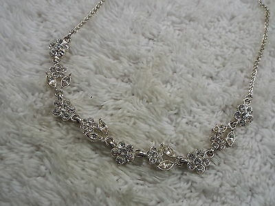 Silvertone Rhinestone Flower Necklace  (C21)