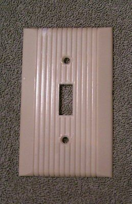 Vintage Ivory MONOWATT Art Deco ribbed Bakelite Single toggle Switch plate Cover