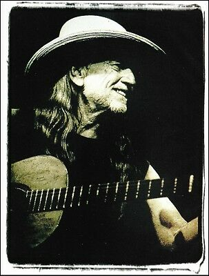 """Willie Nelson & """"Trigger"""" his battered Martin N-20 guitar pin-up photo / article"""