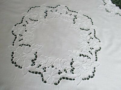 """ROUND TABLECLOTH DECORATED WITH HAND EMBROIDERY - 33"""" dia."""