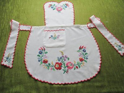 Pretty Apron - Embroidered With Colourful Flowers - White (1)