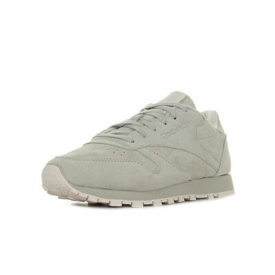 ee4fe91e2443a Chaussures Baskets Reebok femme Classic Leather Tonal Nbk taille Gris Grise  Cuir