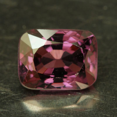 SPINELL        tolle  Farbe      1,53 ct