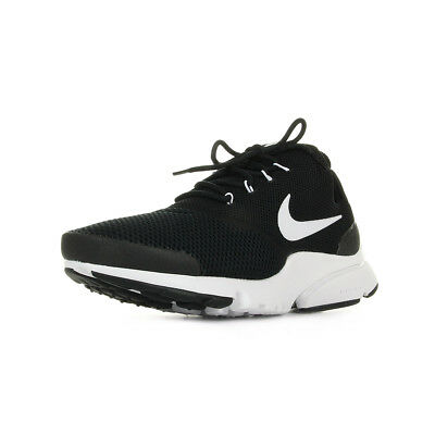 Chaussures Baskets Nike homme Air Presto Fly taille Noir Noire Textile Lacets
