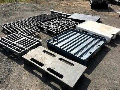 Plastic Pallets Mixed Plastic Composite Pallet All Damaged Priced To Clear