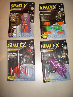 Triang SpaceX Lot 4 different MOC with golden Astronaut Hong Kong 60er Space Toy