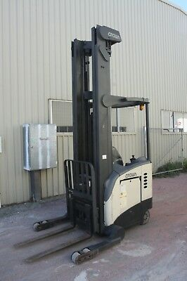 Crown RR5020-45 8.1m 2T Tonne Electric Forklift Reach Truck with Charger
