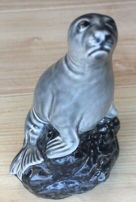 Vintage Beneagles Seal Scotch Whisky Flask Decanter Beswick 1981 Peter Thomson