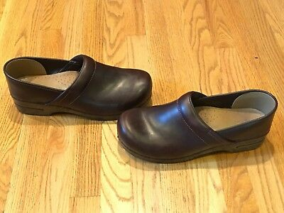 Dansko Professional Espresso Oiled Leather Stapled Clogs 47 Euro - 13.5/14 Usa