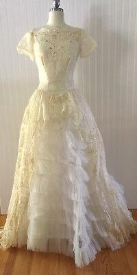 VINTAGE 1950's CINDERELLA LACE Wedding Gown DRESS 11 ROWS TULLE Marie Antoinette