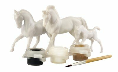 Breyer 1:32 Stablemates Paint Your Own Horse: 3-Piece Horse Family
